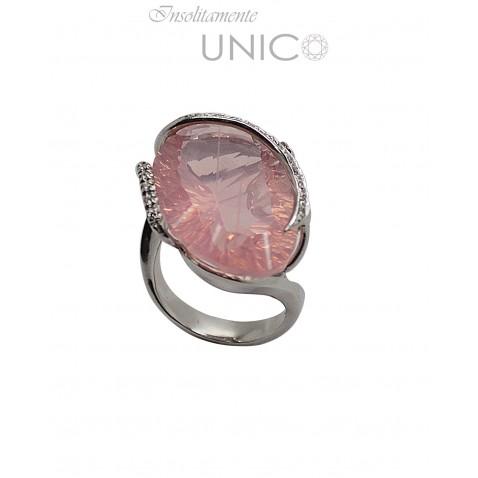Anello in oro bianco con quarzo rosa e brillanti