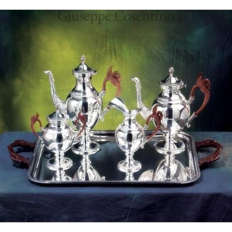 Vassoio e servizio da the in argento 800 e manici in legno inciso a mano