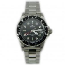 Orologio da uomo in acciaio con movimento swiss made GMT con ghiera girevole unidirezionale.   Cod: A459